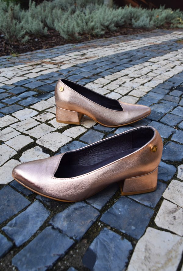 Rose Gold Pointy Pumps