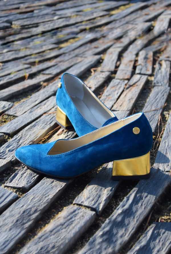Pointy Dark Blue Shoes with medium heel