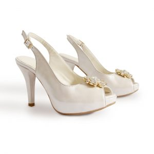 Small platform wedding sandals in small sizes