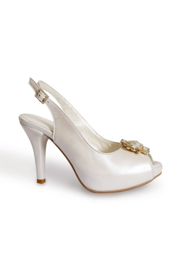 Small shoe size wedding pumps