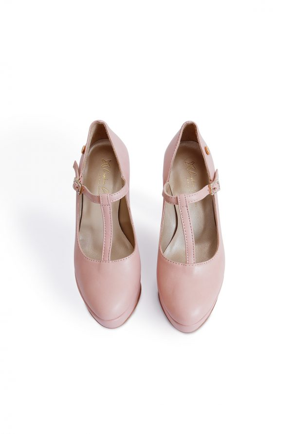 Nude t-stripe pumps from the top