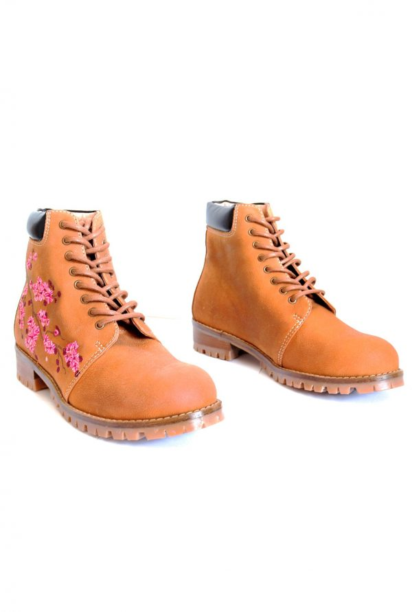 Comfortable Boots for Petite Women